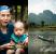 Od lewej: Kobieta Khamu z wioski w okolicy Lyang Nam Tha. Od prawej: Popołudnie w Vang Vieng.